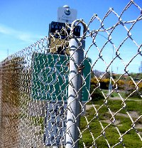 Chain link sign